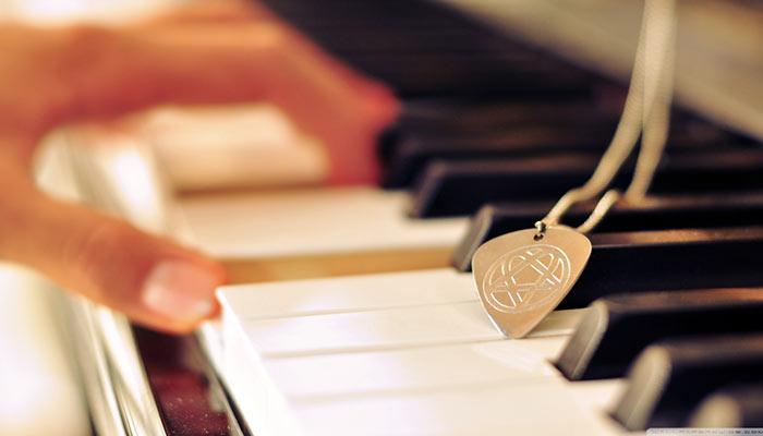 بهترین آموزشگاه موسیقی در کرج-آموزش پیانو