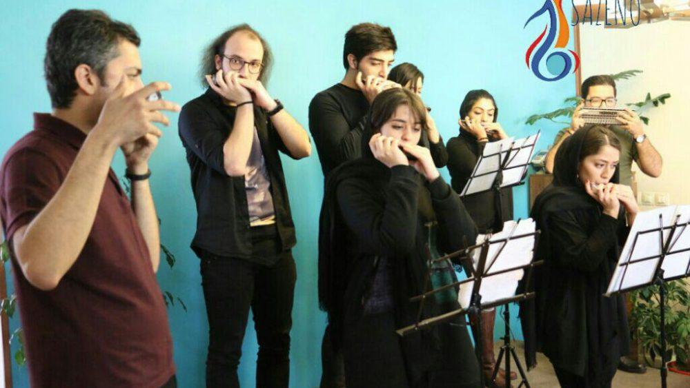 بهترین آموزشگاه موسیقی در کرج-آموزش هارمونیکا