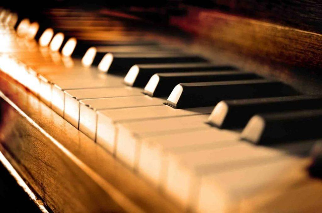 بهترین آموزشگاه موسیقی در کرج-نواختن 10 ساز از آسان به سخت